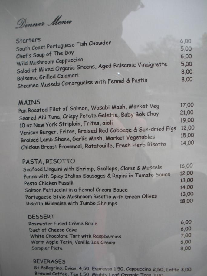 fatimas-cafe-and-bristro-3108-dundas-2